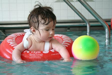 Kleinkinderschwimmen Gesundheitszentrum Bitterfeld/Wolfen